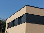 Farblich angepasst: langlebiges Dachrandabschlussprofil aus Aluminium