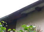 vorher: kurzer Dachüberstand mit alter Regenrinne